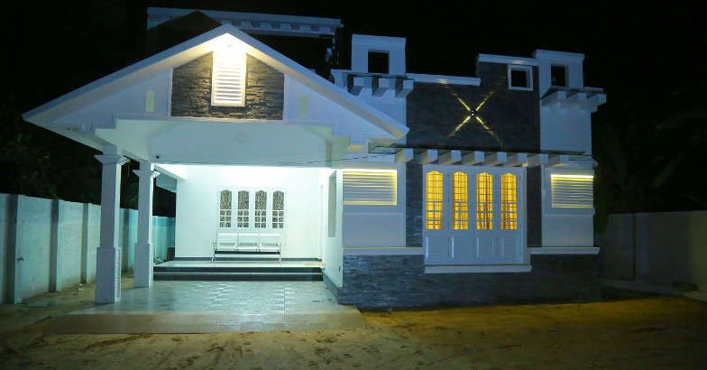 1700 Square Feet 3 Bedroom Kerala House Design For 30 Lac (2)