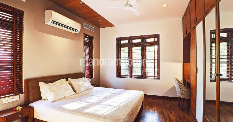 3000 Square Feet Luxuries Kerala Home Design At Angamaly 1