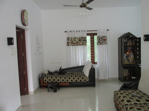 2000 sq.ft 3BHK House 6 percent of the land near Cochin International (1)