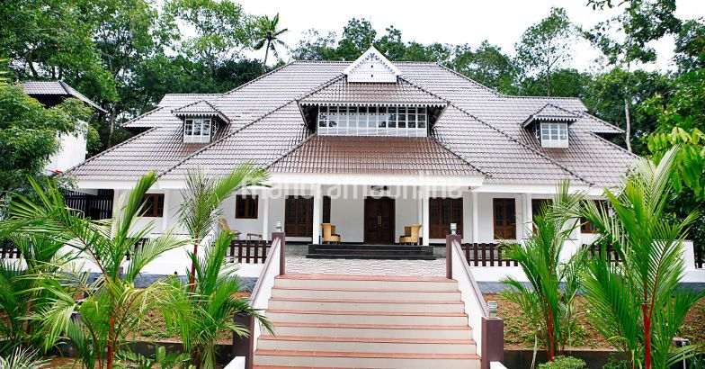 Traditional malayali home design 3600 square feet home for 3600 sq ft house plans