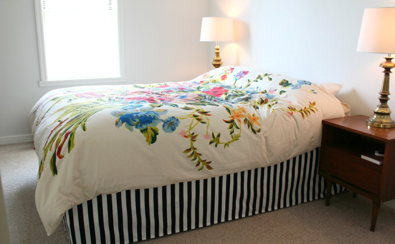 Your Bed with Beautiful Bed Skirts (1)