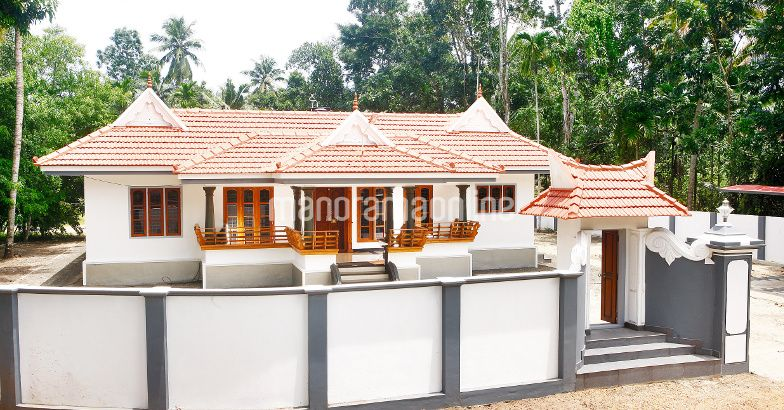 Photo of vasthu based designed nalukettu 1900 sqft at ochira