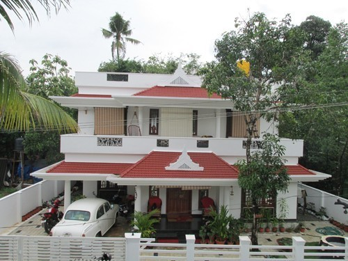 2000 sq.ft 3BHK House 6 percent of the land near Cochin International