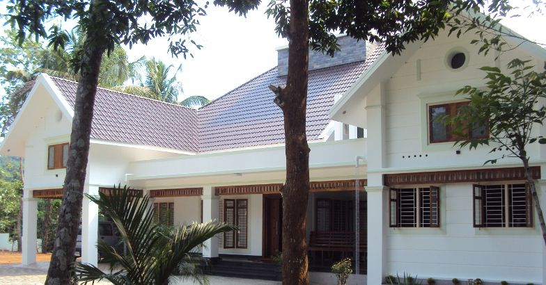 2700 Square Feet Home Design In Mannarkkad,Kerala