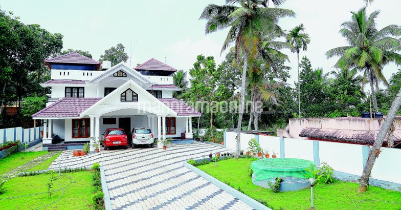3283 Square Feet Home Design At TVM..Cost 75 Lakhs