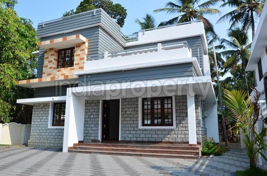 Photo of 1900 Square Feet 3BHK Home Design At Thrissur