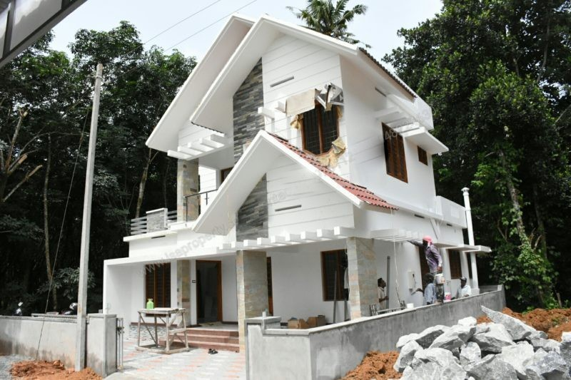 2000 Square Feet 4BHK Kerala Home Design At 4.5 Cent Plot