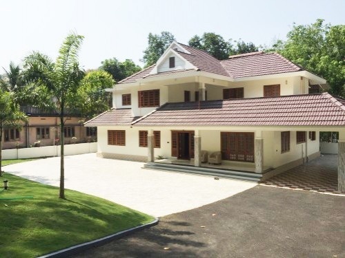 Photo of 3450 Square Feet 5BHK NRI Kerala Home Design At Kanjirappilly