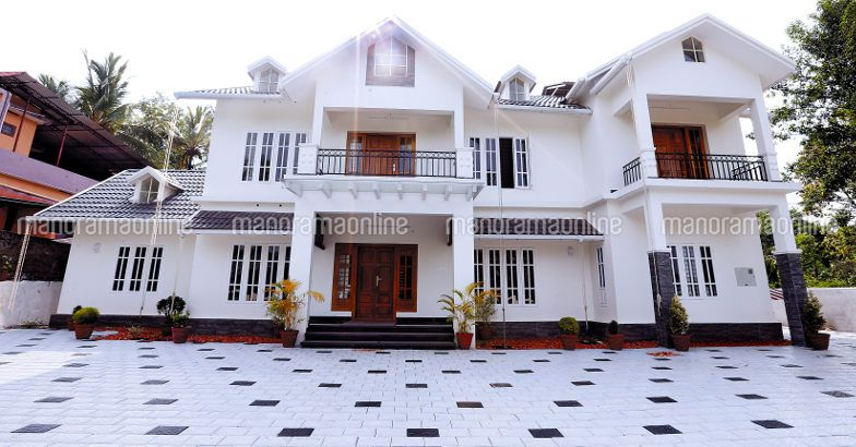COLONIAL STYLE OF THE HOUSE..