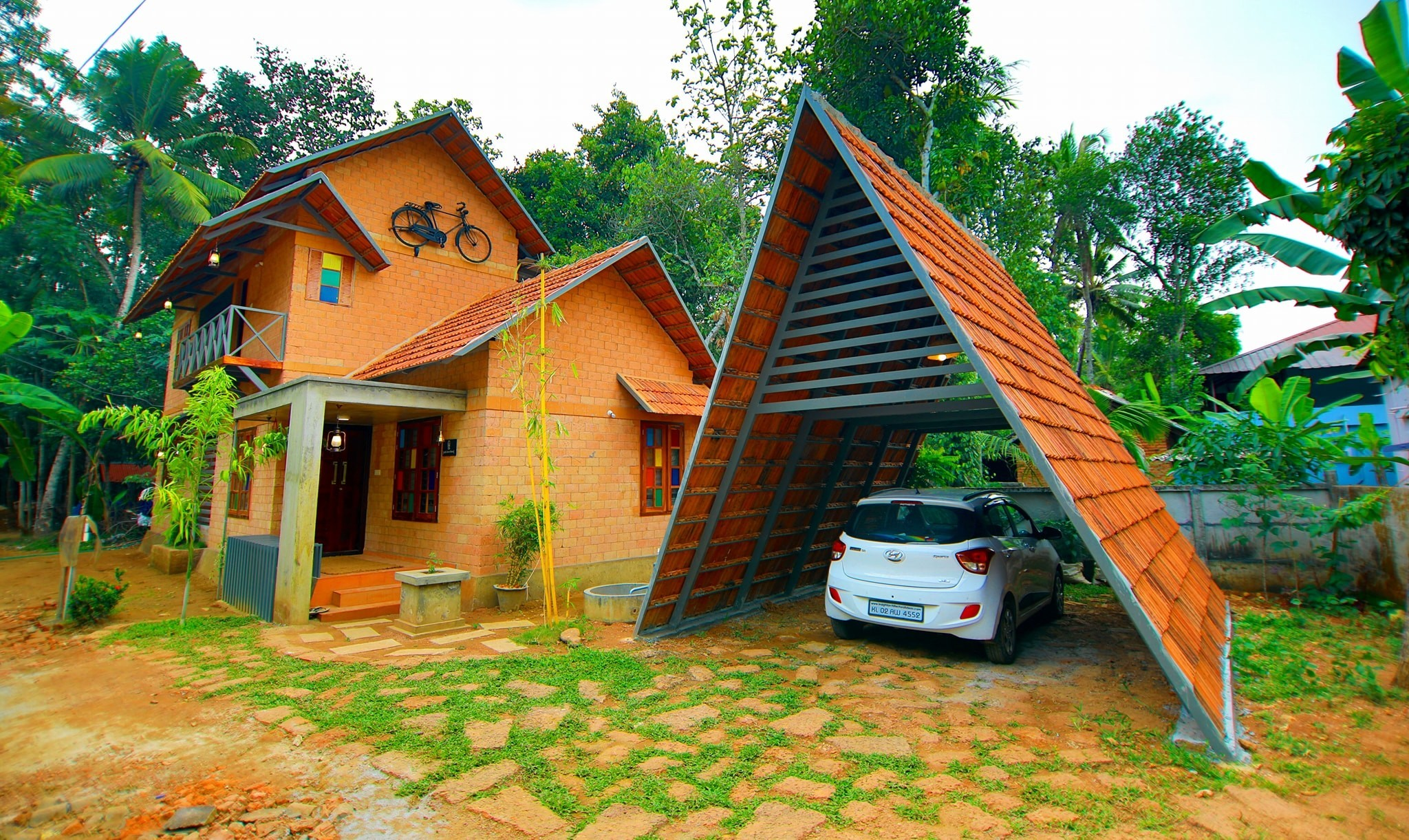 Photo of 1630 square feet nature home design in kollam