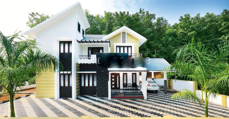 Photo of Colonial Style Kerala home plan at 2400 sq.ft