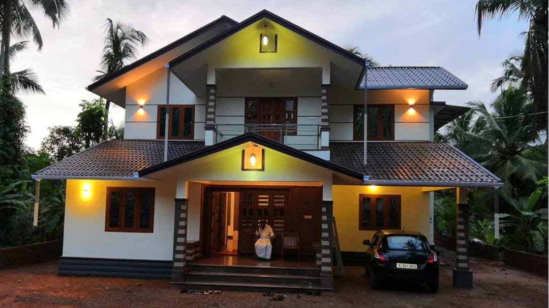 2500 Square Feet 4 Bedroom Traditional Style Beautiful House and Interior