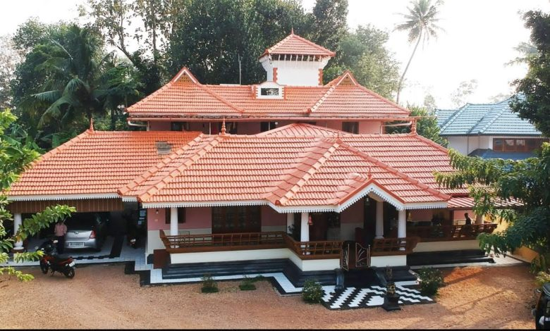3332 Square Feet 4 Bedroom Kerala Traditional Beautiful House and Interior