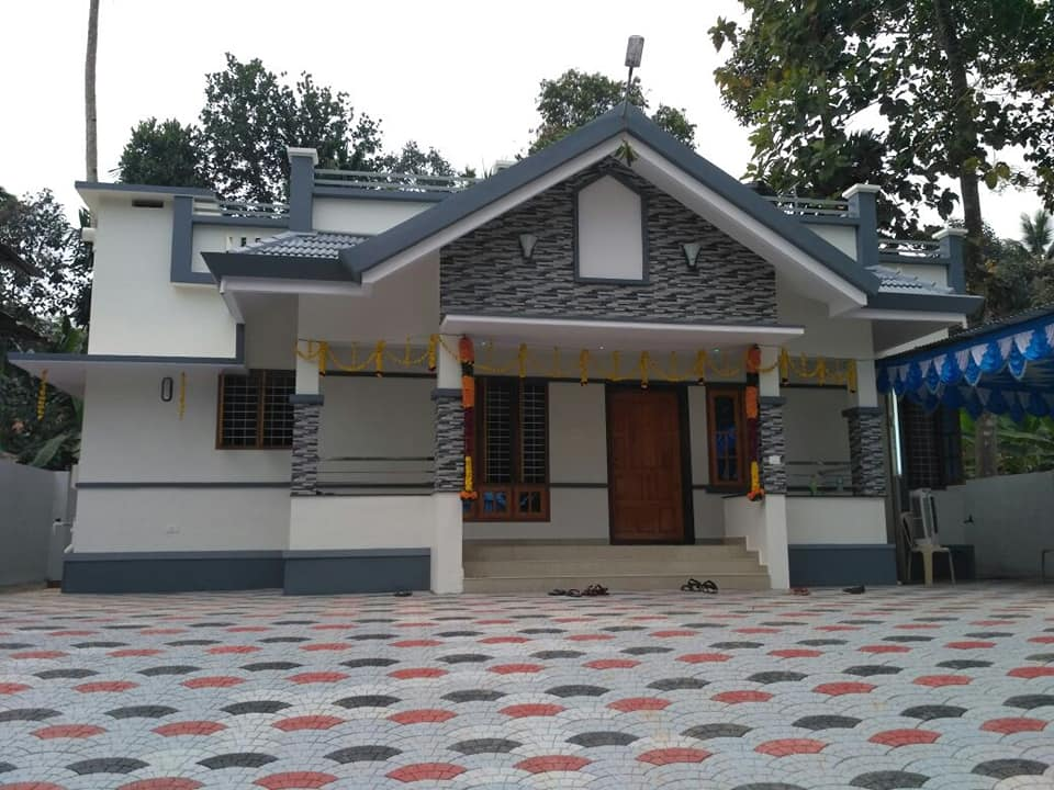 1557 Sq Ft 3BHK Traditional Style Single Floor Beautiful House and Plan