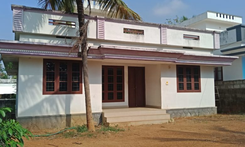 1084 Sq Ft 3BHK Simple Low Budget House and Plan, 16 Lacks