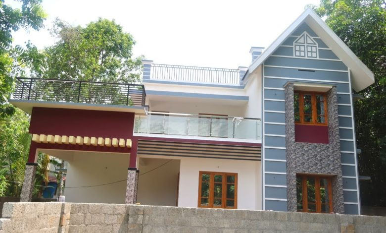 1950 Sq Ft 3BHK Contemporary-Traditional Mix Style House at 7 Cent Plot