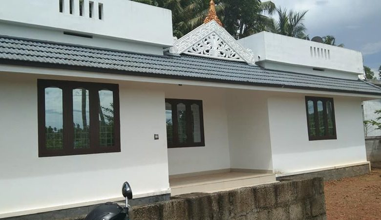 1084 Sq Ft 3BHK Single Floor Kerala Style Beautiful House and Free Plan