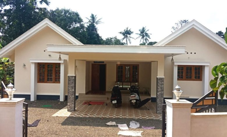 2000 Sq Ft 4BHK Single-Storey Beautiful House at 15 Cent Plot