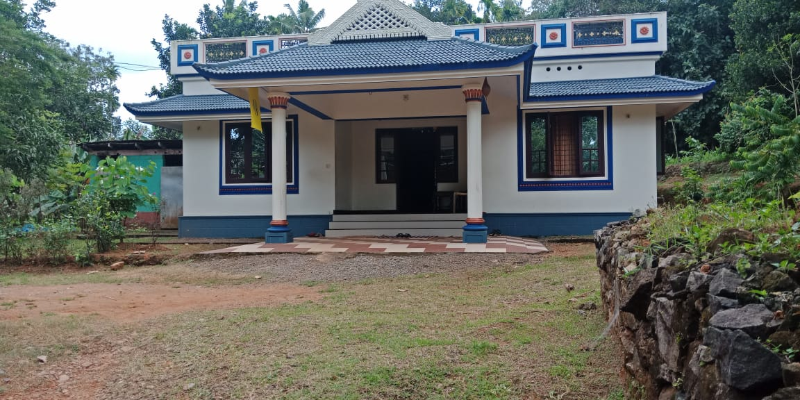 1300 Sq Ft 3BHK Traditional Style Single Floor House and Free Plan
