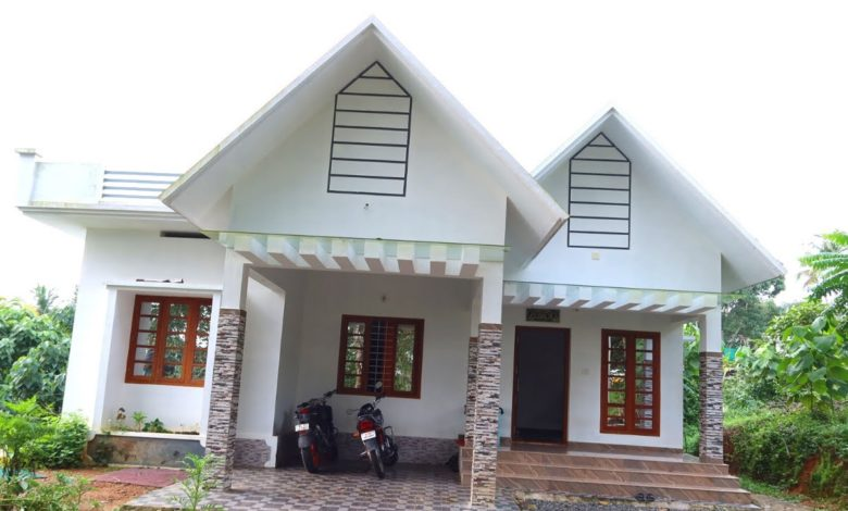 1375 Sq Ft 3BHK Colonial Style Single Floor House at 7.5 Cent Plot