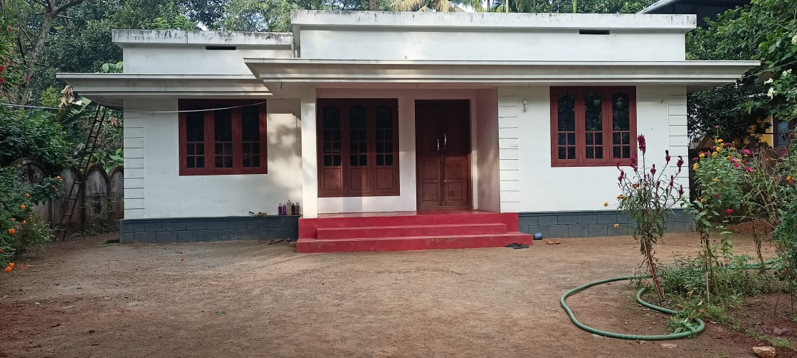 1000 Sq Ft 3BHK Single Floor Simple House and Free Plan, 14 Lacks
