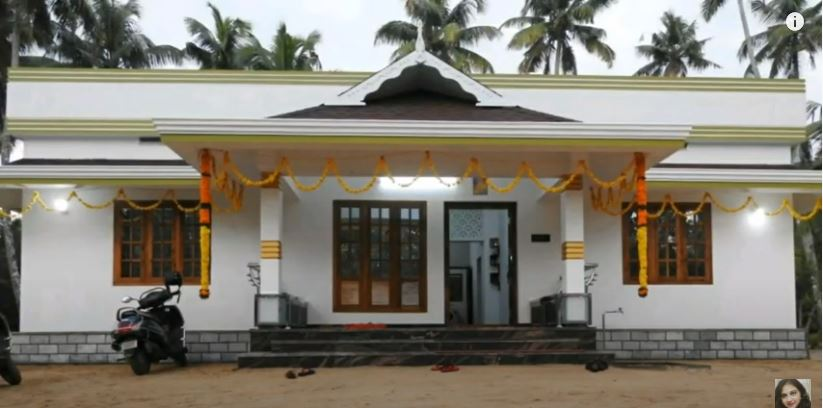 1250 SqFt 3BHK Traditional Style Single Floor House and Free Plan