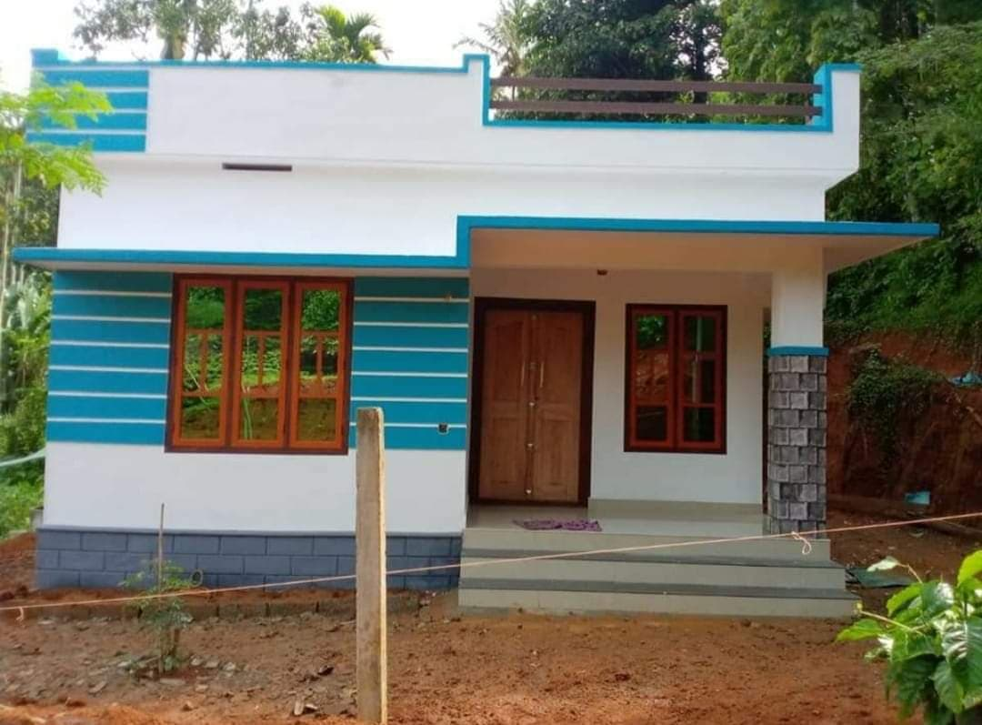725 Sq Ft 2BHK Simple and Beautiful House and Free Plan