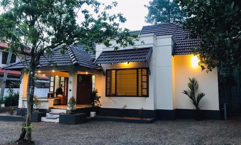 Traditional Style Single Floor 3BHK Beautiful House and Free Plan